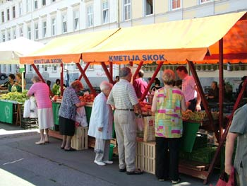Maribor open market shopping 1