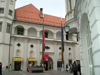 Maribor cultural guide - castle square